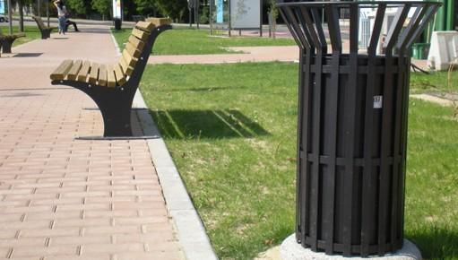 Giochi per parchi con materiali riciclati