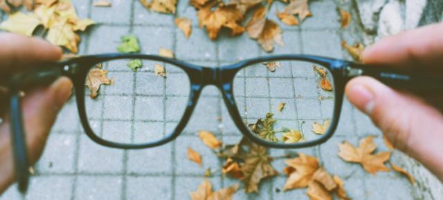 Se le lenti da vista costano troppo… bisogna cambiarle